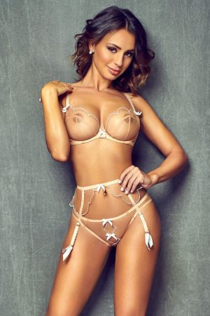 Meet the gorgeous model escort Erin in central London