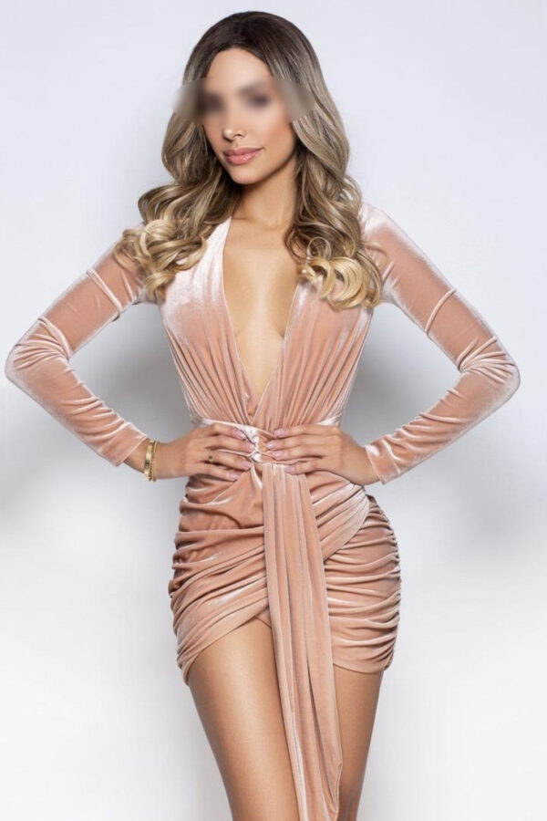 Brazilian escort Pearl in her sexy pink dress