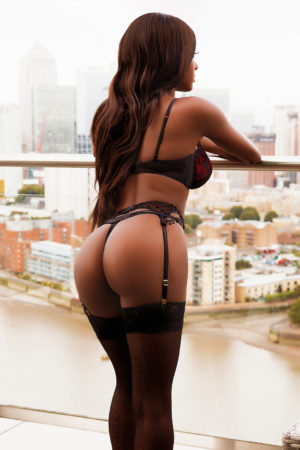 Nia is a ebony escort london in Baker street