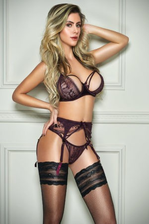 Top Brazilian escort Rozanna is perfect for travel bookings and romantic nights in.